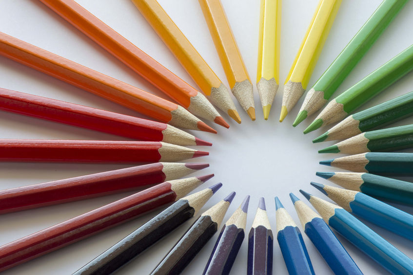 40974247 - color circle of pencils with complementary colors